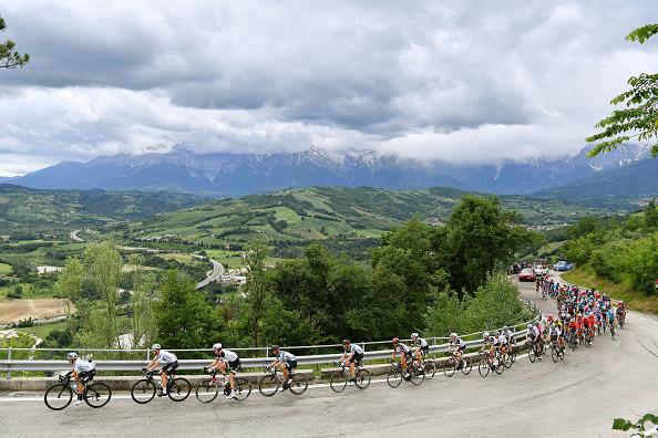 El esloveno Matej Mohoric gana la décima etapa en Italia