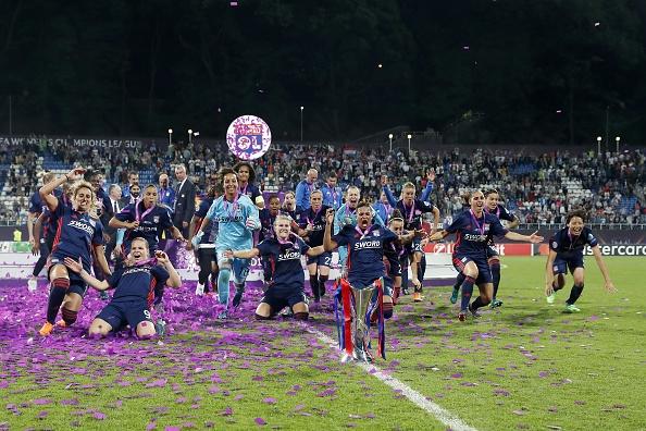 Primer triplete en Champions lo consigue Lyon