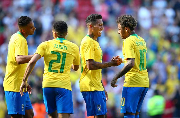 Neymar marcó un golazo con Brasil.