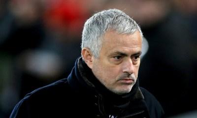 Manchester United despidió a Mourinho