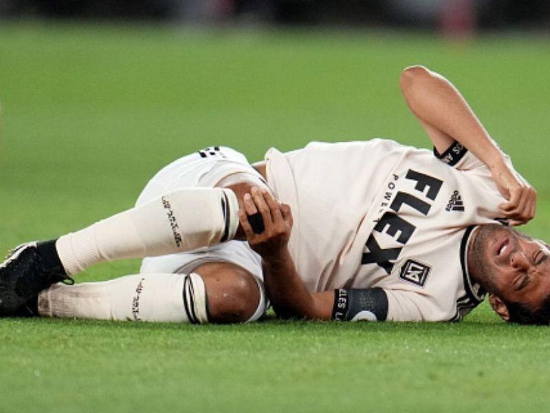 Carlos Vela salió lesionado en la MLS