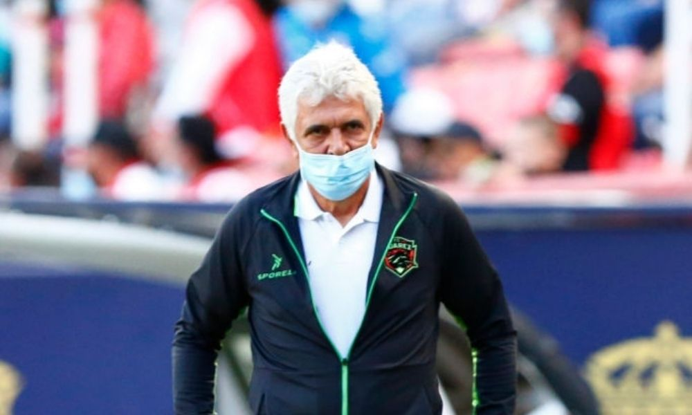 'Tuca' Ferretti cumple 30 años como Director Técnico