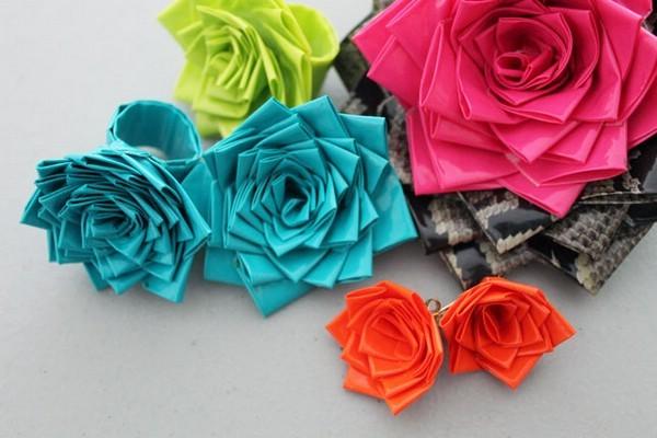 Hoa với bàn tay của chính họ từ bạn gái