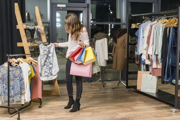 Aprenda a comprar roupa de forma consciente