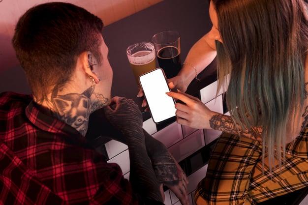 escolhendo a tatuagem
