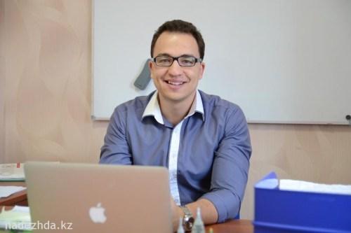 Роман Александрович Лушаков – Директор Языкового Центра Destination. //