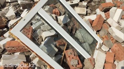 Вечером 17 июня на село Жайык Трекинского сельского округа налетел сильный ветер и снес часть крыш свыше двадцати домов.