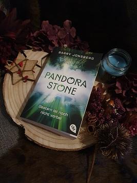 """""""Pandora Stone 2 : Gestern ist noch nicht vorbei"""" von Barry Jonsberg"""
