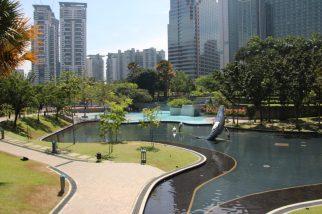 Park hinter Petronas Towers KL