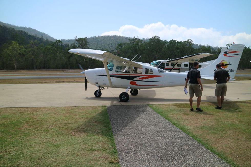 Unser Flugzeug zum Heart Reef