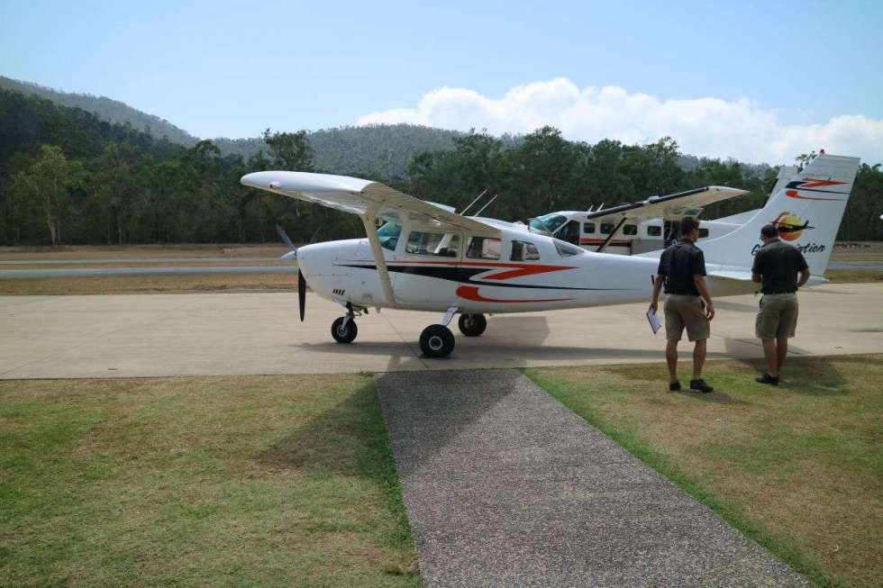 Preparing the plane for our heart reef flight