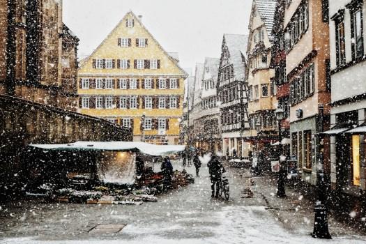 life is now, snow in Tübingen town