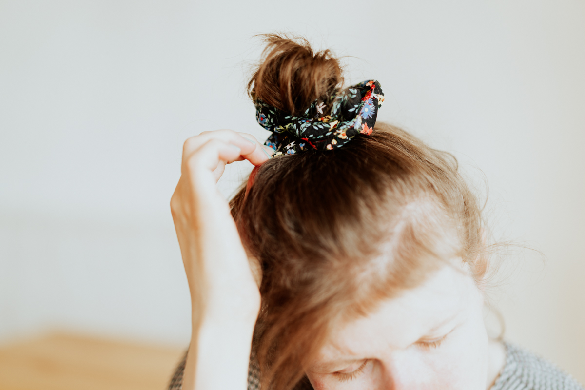 Scrunchie hair Style photographed by Nadine Wilmanns