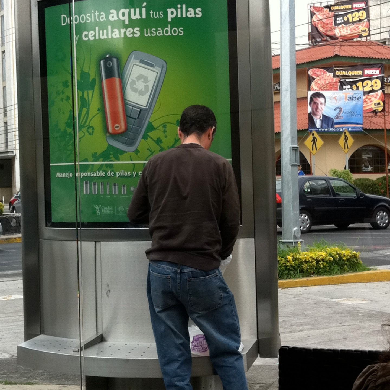 Columnas recolectoras de pilas y celulares