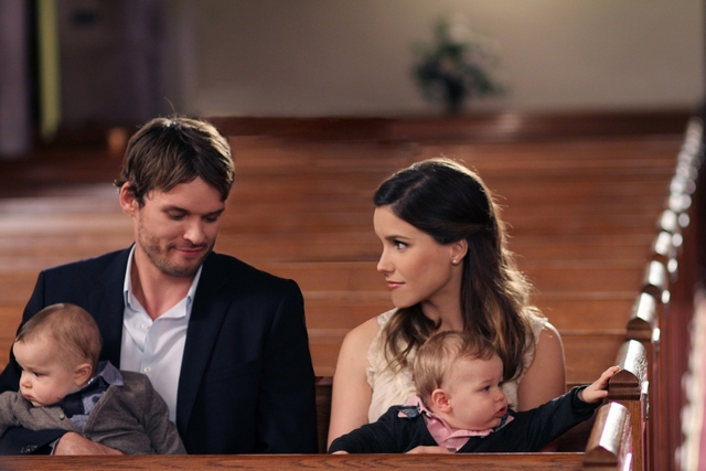 c6740-sophia-bush-and-austin-nichols-in-one-tree-hill-episode-9-01-know-this-weve-noticed-2