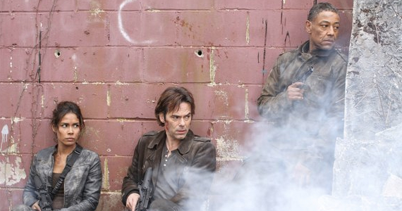 80fd7-daniella-alonso-billy-burke-and-giancarlo-esposito-in-revolution-the-longest-day