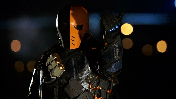 c9aca-arrow-review-deathstroke-bus