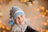 poratrait-smiling-boy-christmas-studio-riga