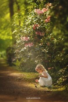 child-photographer-riga-spring-nature3