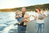 family-seaside-photoshoot