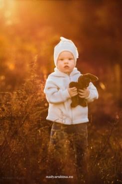 Детская фотосессия осенью, фотограф в Риге Надя Рубина