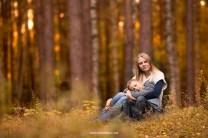 Осенняя фотосессия в Риге, мама и сын. Семейный фотограф Надя Рубина.