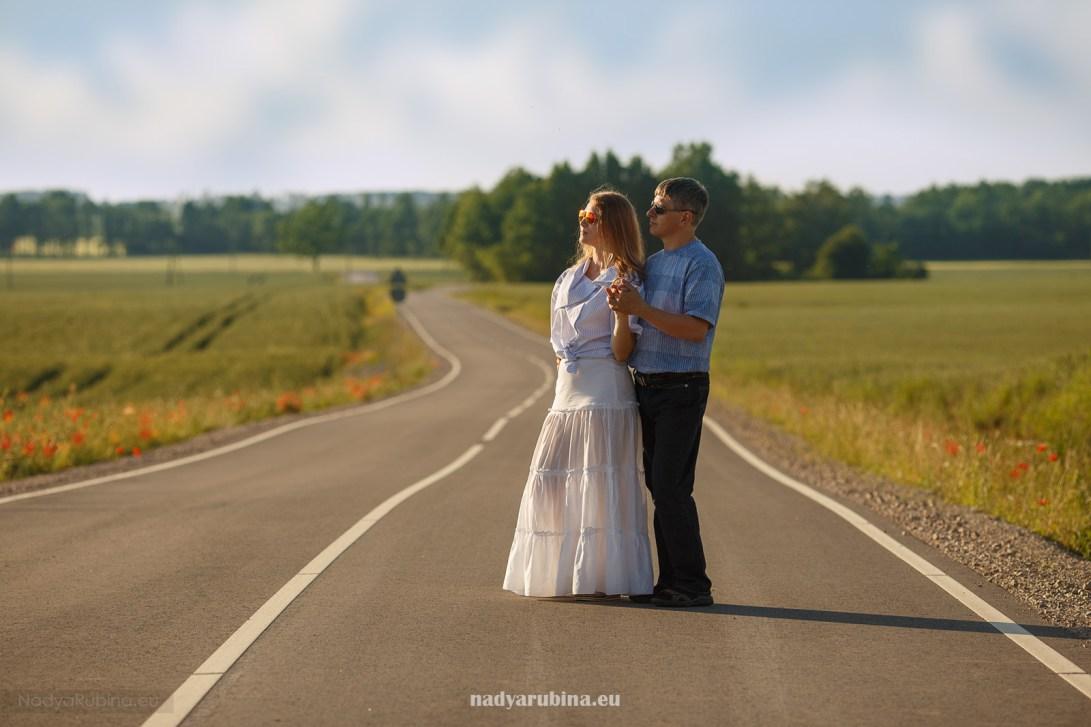 деревенская дорога в Латвии