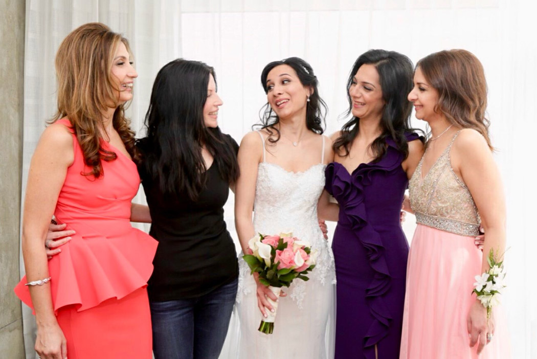 mua Nady with bride and bridesmaids