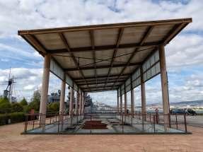 Trockendock der Trireme mit dem Namen Olympias im Museumshafen von Athen. Leider ist der Nachbau des antiken Dreiruderers unterwegs nach Brasilien zu einer Aktion während der Olympischen Sommerspiele 2016.