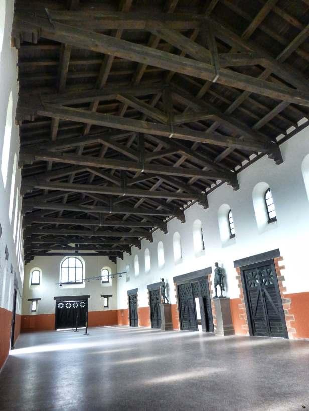 Vorhalle des Stabsgebäudes (Principia) im römischen Kastell Saalburg.