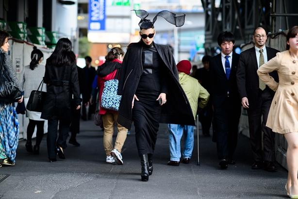05-fashion-week-tokyo-street-style-fall-2015-01