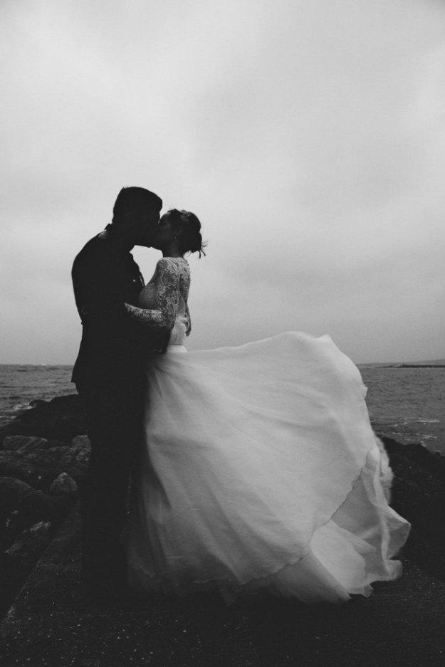 4-romantic-wedding-photo-rob-grimes