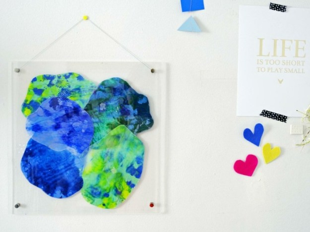 Wandbilder-selber-machen-Pastellstift-schmelzen-Parafin-Papier