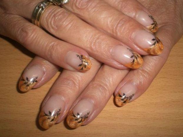 Metallic-orange-fall-nails