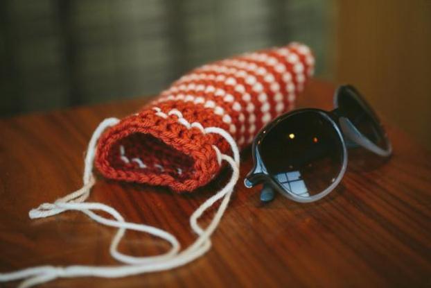 drawstring-sunglasses-case-crochet-pattern