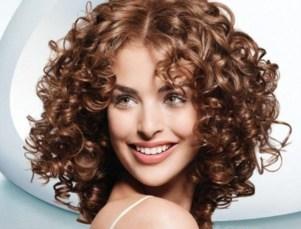 Как завить волосы плойкой красиво