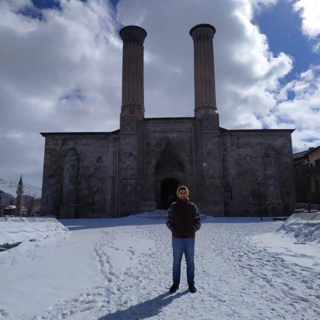 Erzurum Gezilecek Yerler çifte minareli medrese
