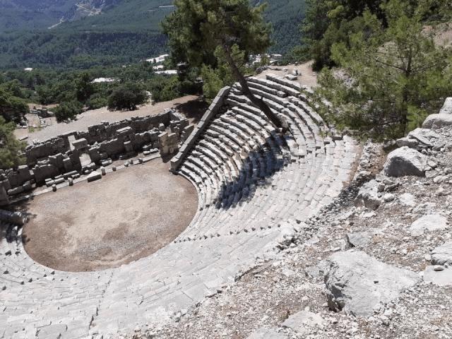 Arykanda Antik Kenti tiyatro
