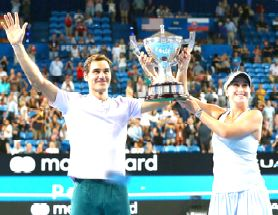 Federer-Bencic lead Switzerland to Hopman Cup title