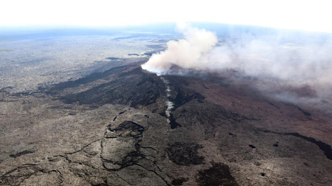 After volcano erupts, Hawaii residents battle with quakes, lava and sulphuric gas