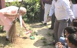 PM Modi launches  'Swachhata Hi Seva Movement'