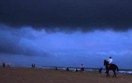 Cyclone Gaja to hit Tamil Nadu coast  soon; over 26,000 people evacuated