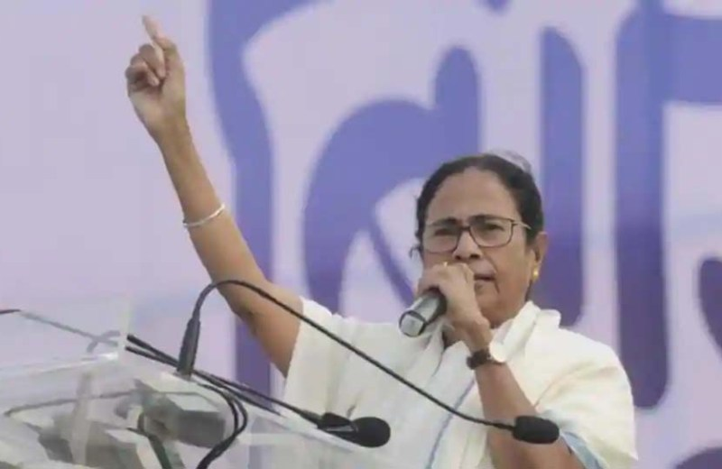 Modi govt past its expiry date, says Mamata