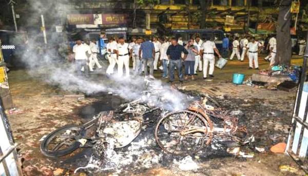 BJP-TMC supporters clash at Amit Shah's roadshow in Kolkata
