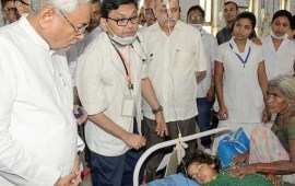 Encephalitis toll hits 113,  Nitish Kumar faces wrath of kin