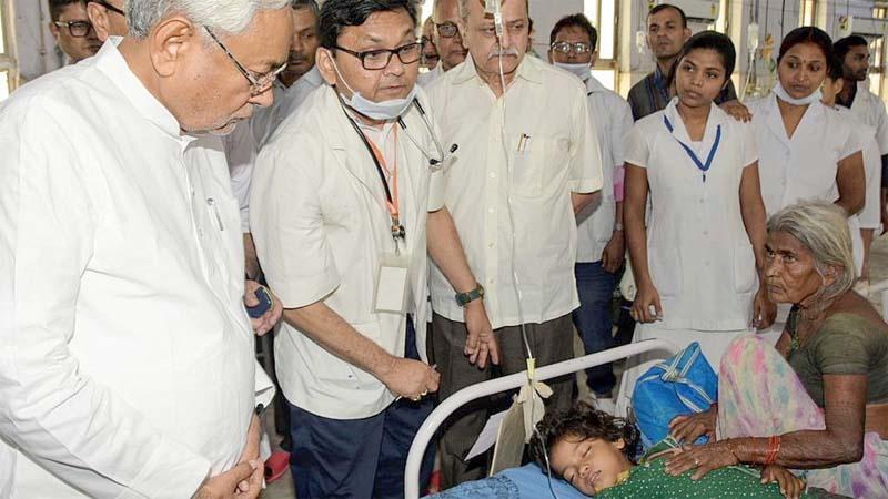 Encephalitis toll hits 113,  Nitish Kumar faces wrath of kin