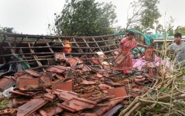 Cyclone Bulbul kills 10 in Bengal,  Odisha; PM offers help to 2 states
