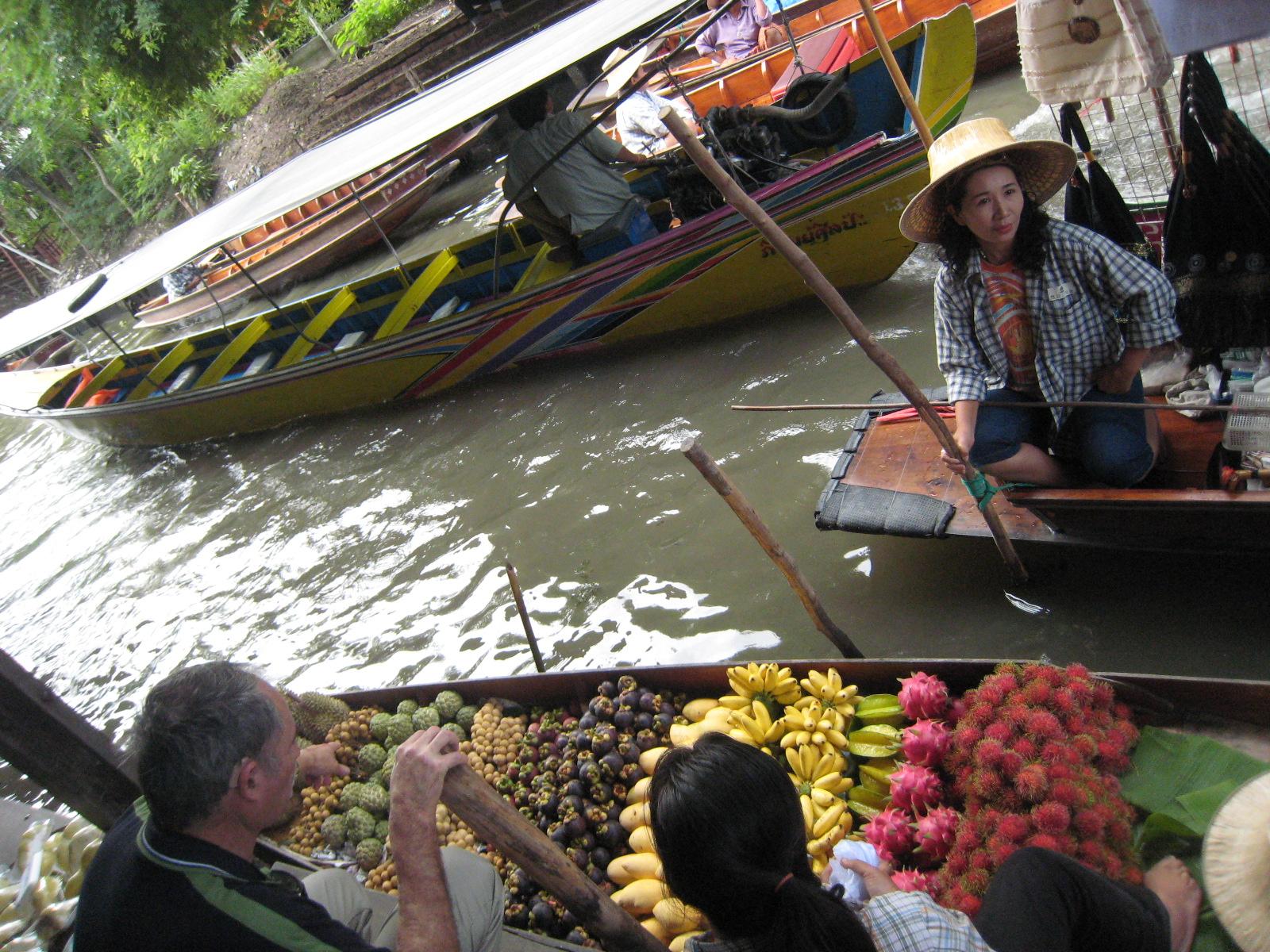 タイ旅行記③バンコク 水上マーケットをブログで感想紹介