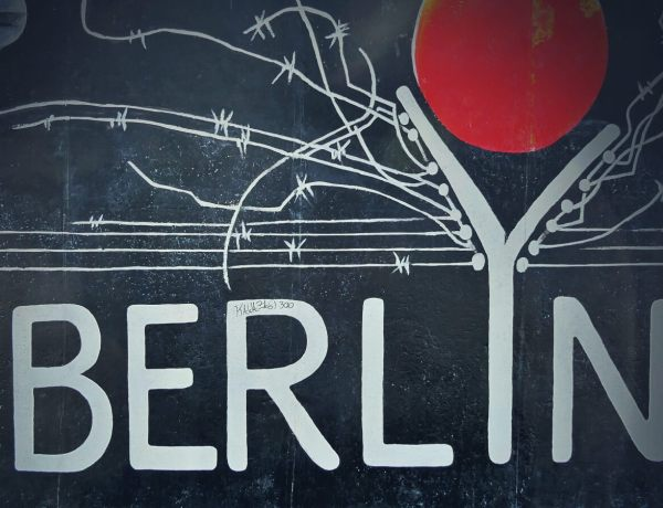 Berliński mural.