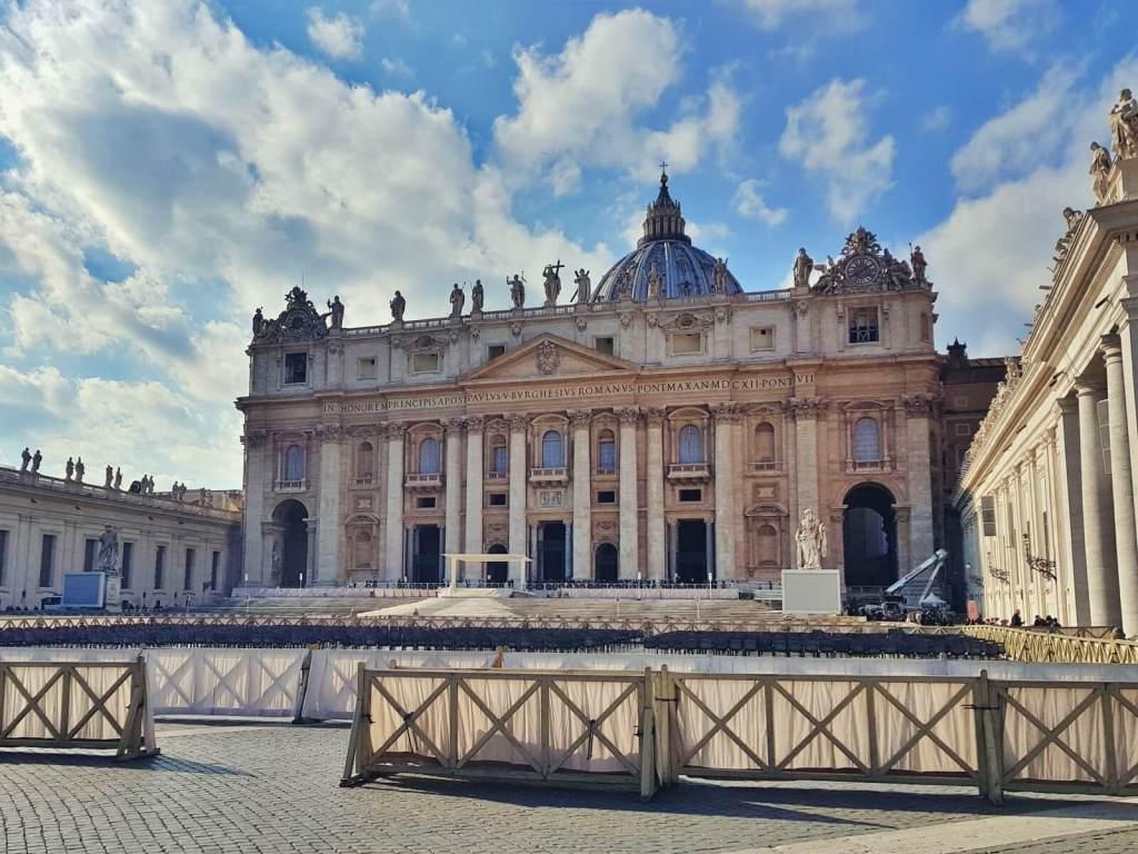 Bazylika św. Piotra w Watykanie.